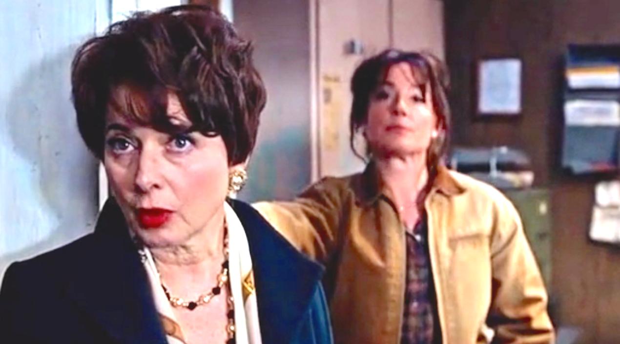 Joy (2015), Isabella Rossellini, Elizabeth Rohm