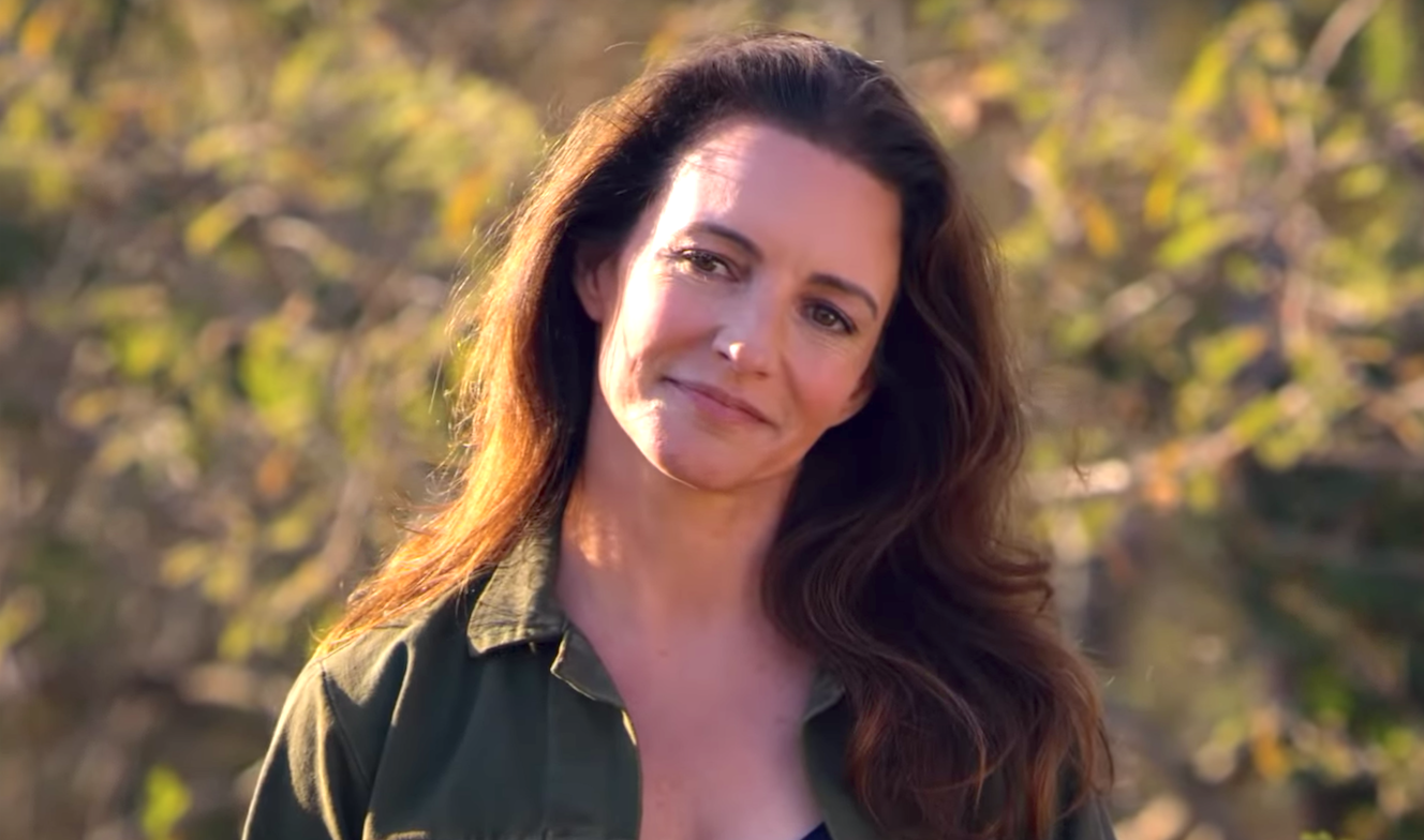 Holiday In The Wild (2019), Kristin Davis, Netflix